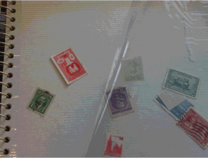 Un album de photos et des timbres-un désastre!